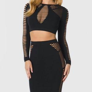 LA SENZA Seamless Black Long Sleeve Crop Top